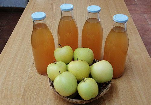 zumo-de-manzana